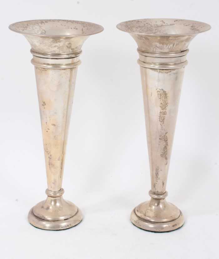 Pair early George V silver trumpet vases of inverted conical form on circular pedestal bases