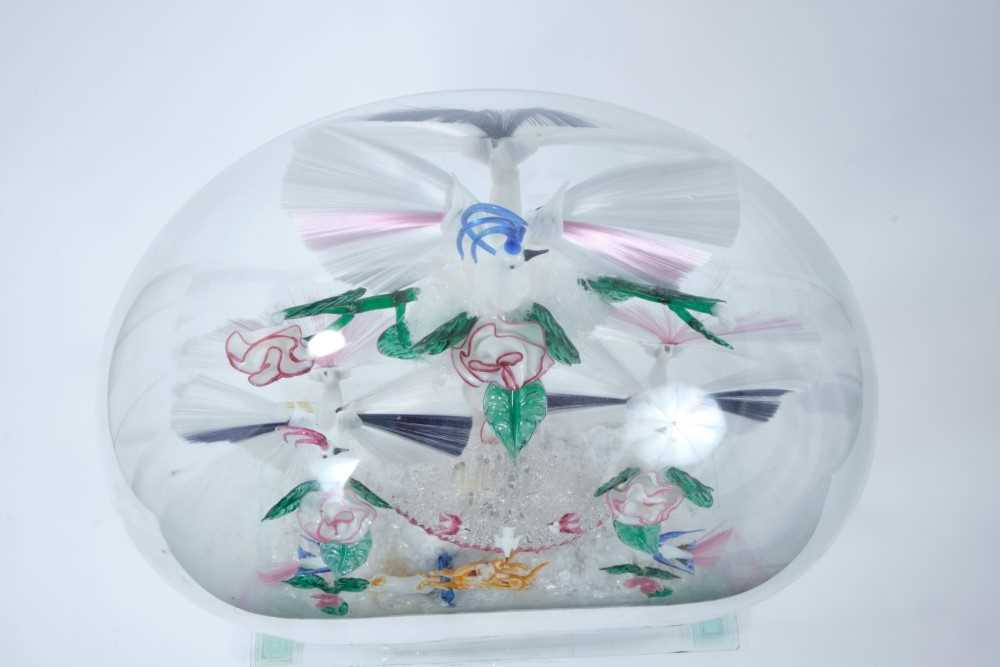 Rare and fine quality 19th century glass lampwork bird fountain, probably Stourbridge, depicting exo - Image 8 of 8