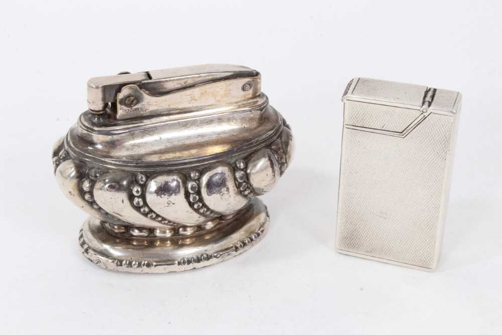 Late 1930s Dunhill silver petrol cigarette lighter (London 1939) Alfred Dunhill & Sons