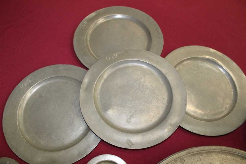 Good extensive collection of pewter - Image 3 of 13