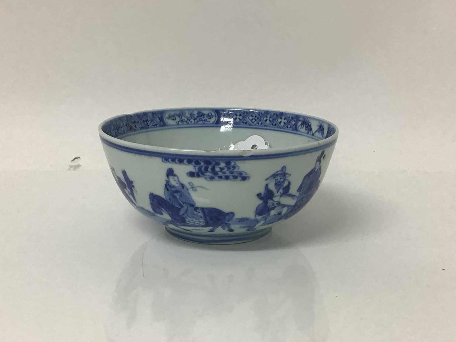 Chinese Kangxi porcelain jug and cover with later silver mount, together with a bowl (2) - Image 3 of 16