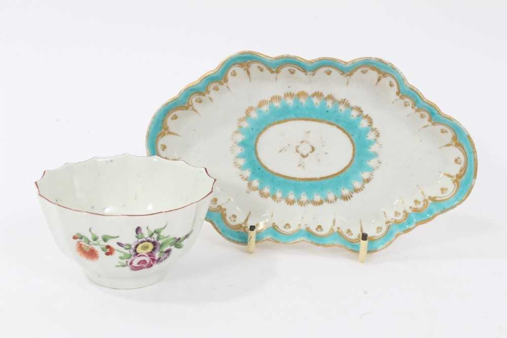 Two 18th century Worcester items, including a spoon tray, of lozenge form, decorated in light blue a
