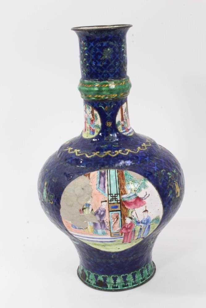 18th / 19th century Chinese enamel vase - Image 3 of 5