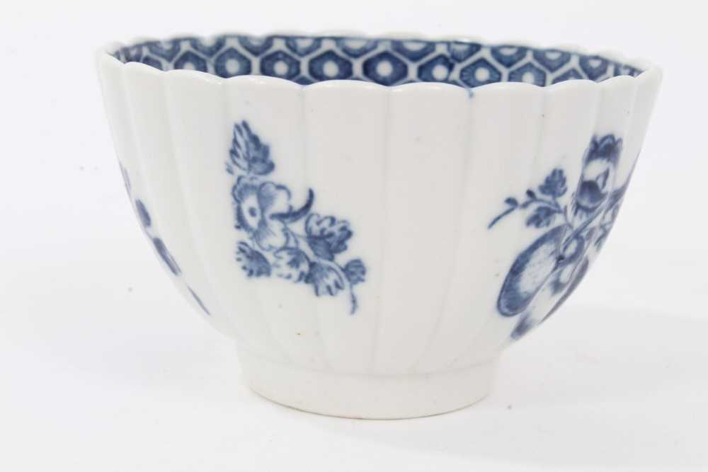 Caughley tea bowl and saucer, circa 1780, of fluted form, printed in blue with the 'Apple' pattern, - Image 5 of 8