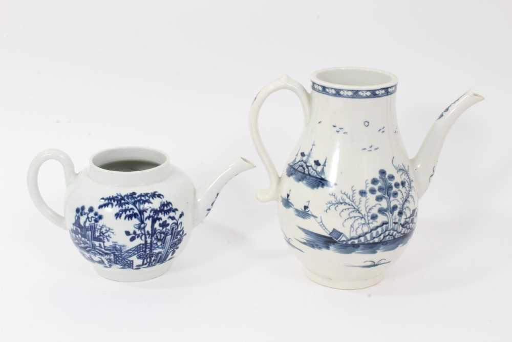 A Worcester Rock Strata Island pattern coffee pot, circa 1770, and a Worcester Plantation pattern te - Image 3 of 7