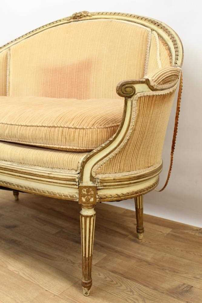 Late 19th / early 20th century French cream painted bergère suite - Image 3 of 16