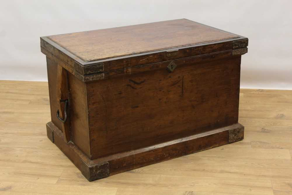 George III mahogany and satinwood banded serpentine sideboard of small proportions - Image 9 of 9