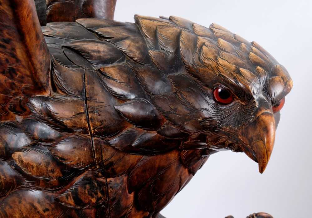 Exceptional late 19th / early 20th century Black Forest carved lindenwood figure of an eagle - Image 2 of 28