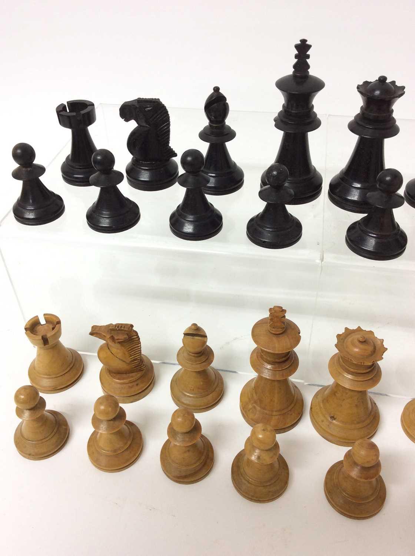 19th century boxwood and ebony chess set in mahogany box - Image 2 of 5