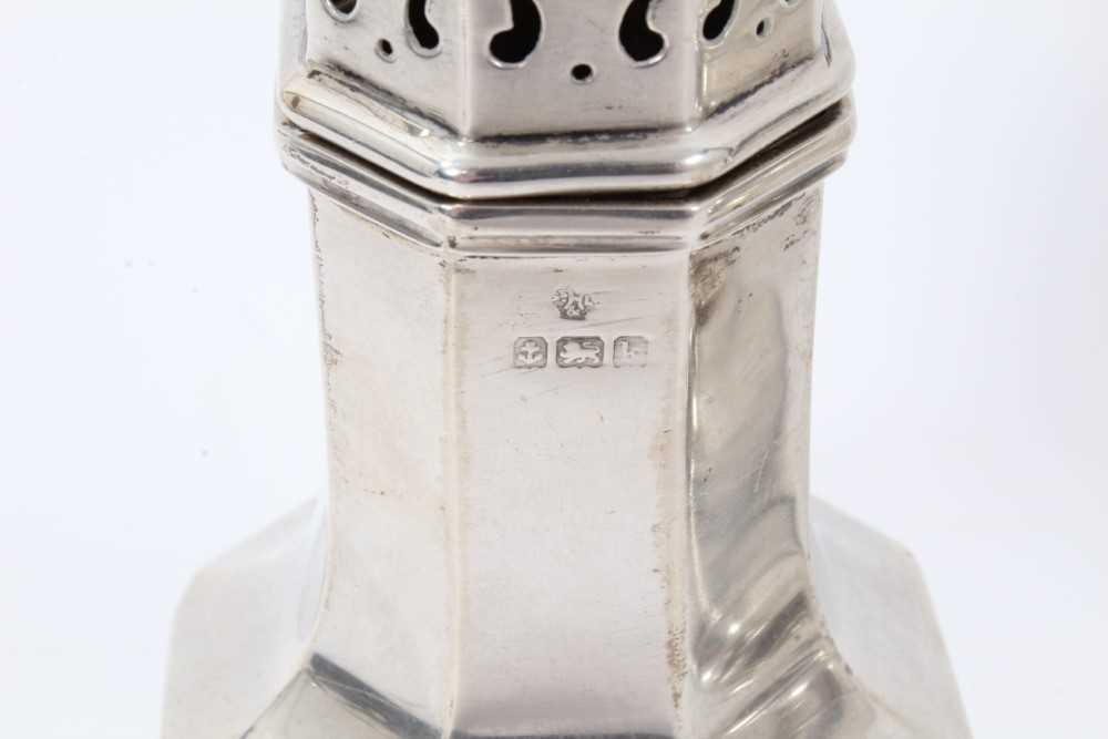 Four various silver castors - Image 6 of 16