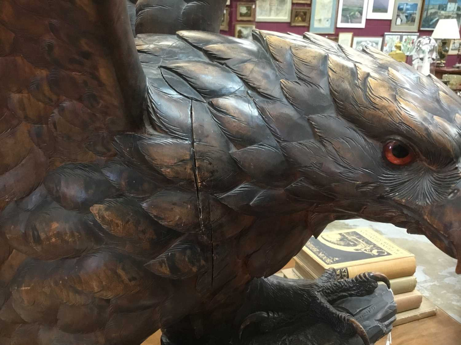 Exceptional late 19th / early 20th century Black Forest carved lindenwood figure of an eagle - Image 15 of 28