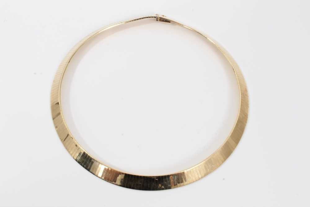 Italian 14ct yellow gold collar necklace with smooth polished articulated links