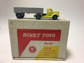 Dinky toys Commer convertible articulated truck No. 424 boxed