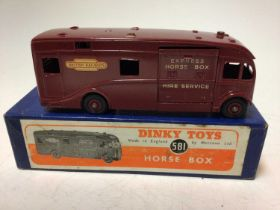 Dinky horse box No. 581 boxed