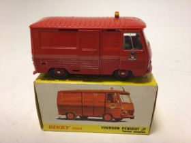 Dinky French issue Fourgon Peugeot J7 No. 570P boxed