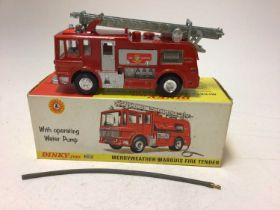 Dinky Merryweather Marquis Fire Tender No285, Ford Transit Fire Appliance No 286, both boxed (2)
