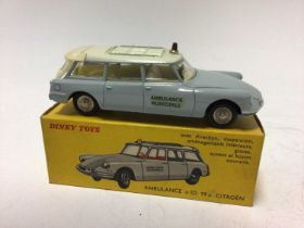 Dinky French Issue Ambulance ID 19 Citroen No 556, boxed