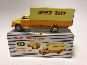 Dinky Supertoys Beford pallet jekta van Dinky toy No. 930 boxed