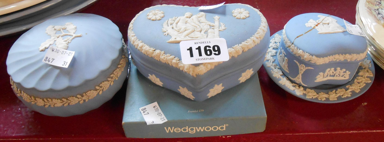 Five pieces of Wedgwood blue Jasper ware - lid on trinket box a/f