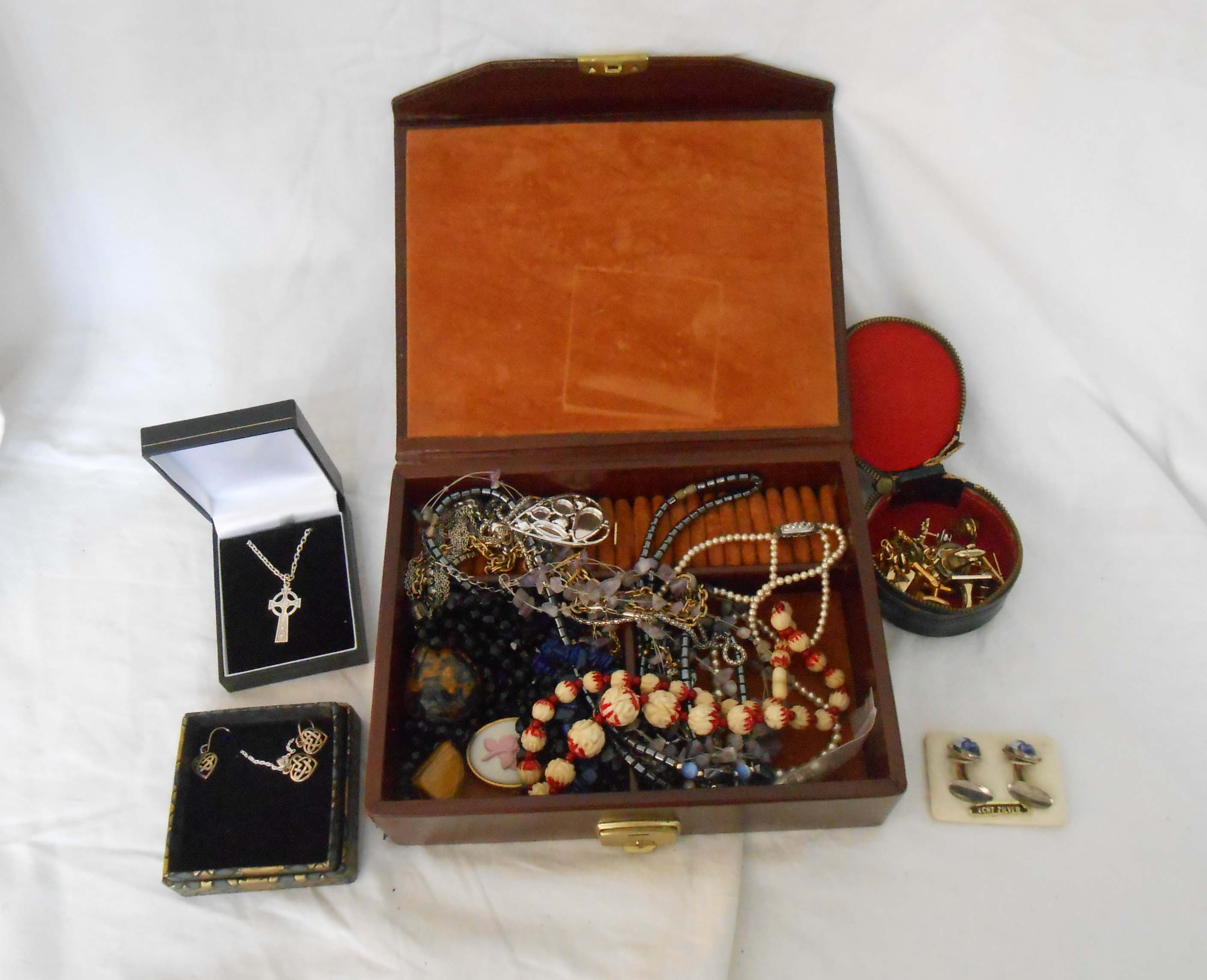 A box containing a quantity of assorted costume and other jewellery