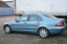 A 2002 MERCEDES-BENZ C200 KOMP. ELEGANCE AUTO SALOON CAR in Metallic light Blue with grey leather