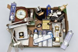 A BOX OF MISCELLANEOUS ITEMS, to include two plain polished silver napkin rings, hallmarked