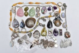 A SELECTION OF SILVER AND WHITE METAL SEMI-PRECIOUS SET JEWELLERY AND BROOCHES/PENDANTS, to
