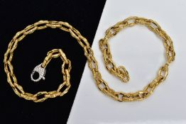 A MODERN FANCY LINK CHAIN, yellow fancy link chain fitted with a white metal round brilliant cut