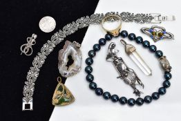 A SELECTION OF JEWELLERY, to include a silver and enamel butterfly brooch, with green, yellow and