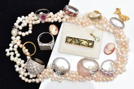 A SELECTION OF JEWELLERY, to include a multi strand cultured Rice Krispie pearl strand necklace