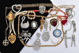 A SELECTION OF MOSTLY COSTUME JEWELLERY, to include a circular pale blue Wedgwood cameo brooch,