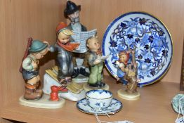 A GROUP OF CERAMICS INCLUDING A ROYAL WORCESTER MINIATURE CUP AND SAUCER, blue and white printed