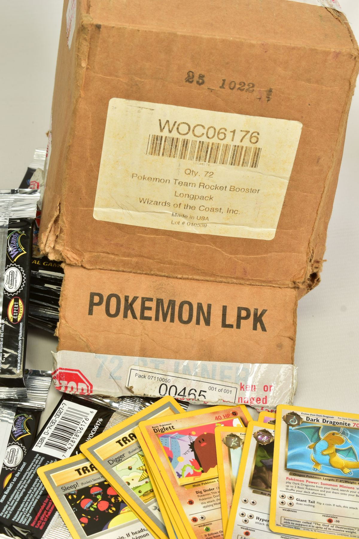 A QUANTITY OF SEVENTY SEALED POKEMON UNLIMITED TEAM ROCKET BOOSTER LONG PACKS, four different packet - Image 5 of 9