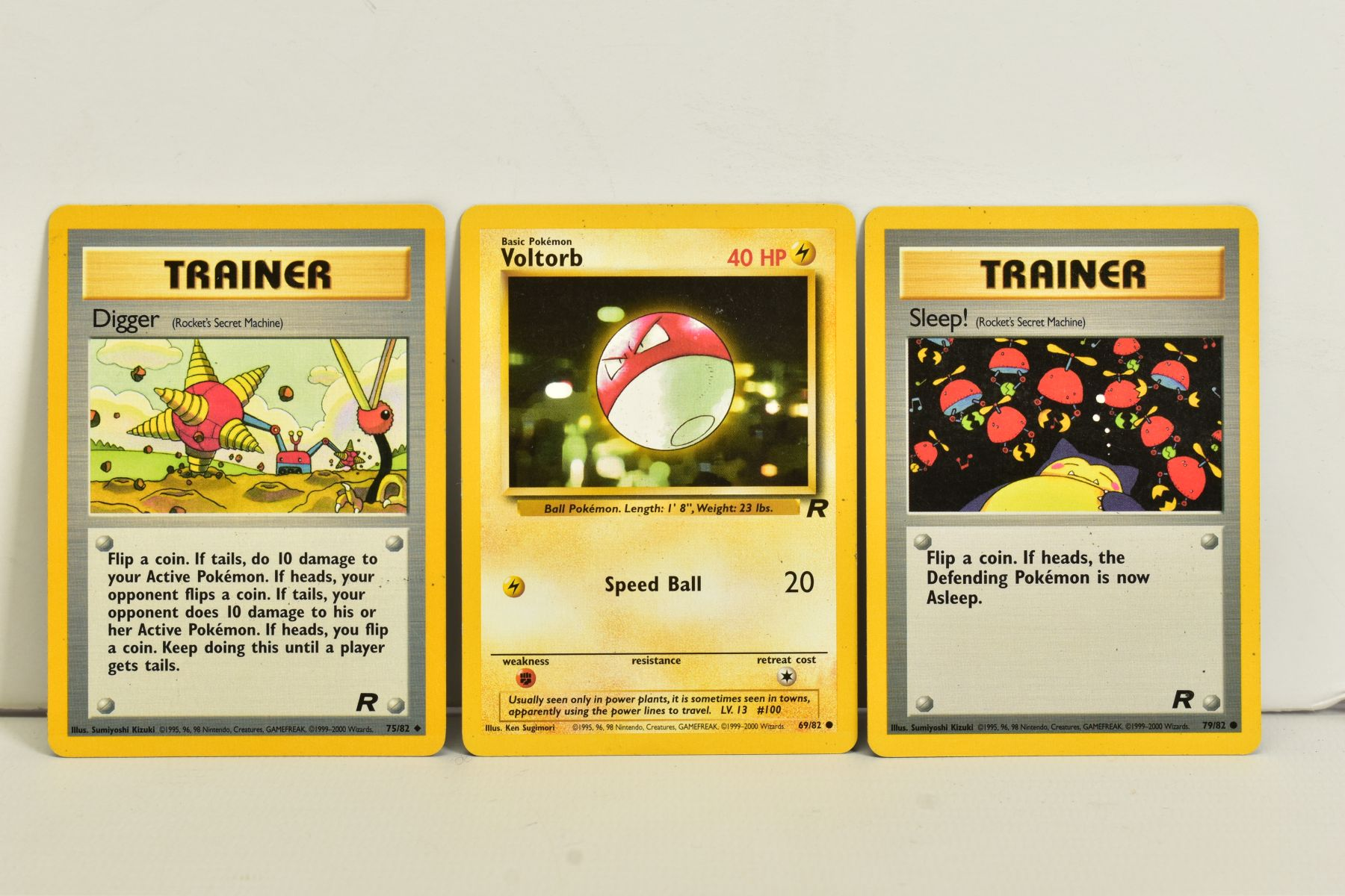 A QUANTITY OF SEVENTY SEALED POKEMON UNLIMITED TEAM ROCKET BOOSTER LONG PACKS, four different packet - Image 9 of 9