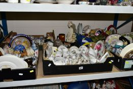FIVE BOXES AND LOOSE ORNAMENTAL CERAMIC GIFTWARE etc, to include crested wares, Royal Worcester,