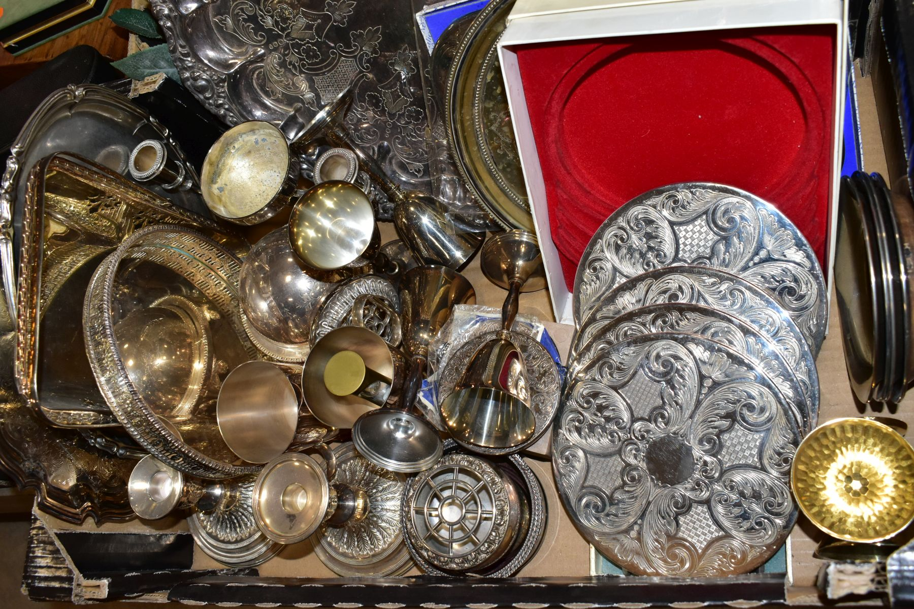 TWO BOXES AND LOOSE OF METALWARE, TREEN, MISCELLANEOUS ITEMS, ETC, including EPNS trays and galeried - Image 3 of 10