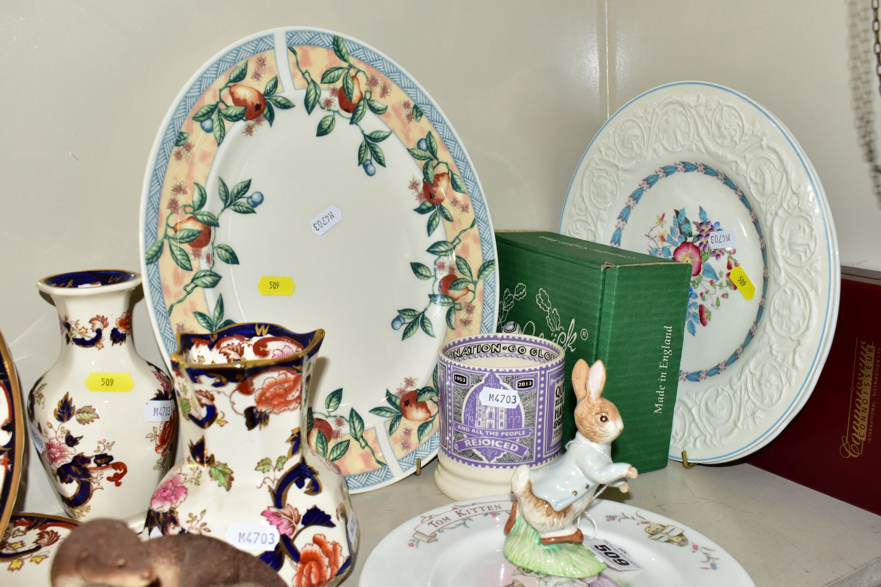 DECORATIVE CERAMICS ETC, to include a boxed Beswick Peter Rabbit, Royal Albert 'Tom Kitten' plate, - Image 5 of 11