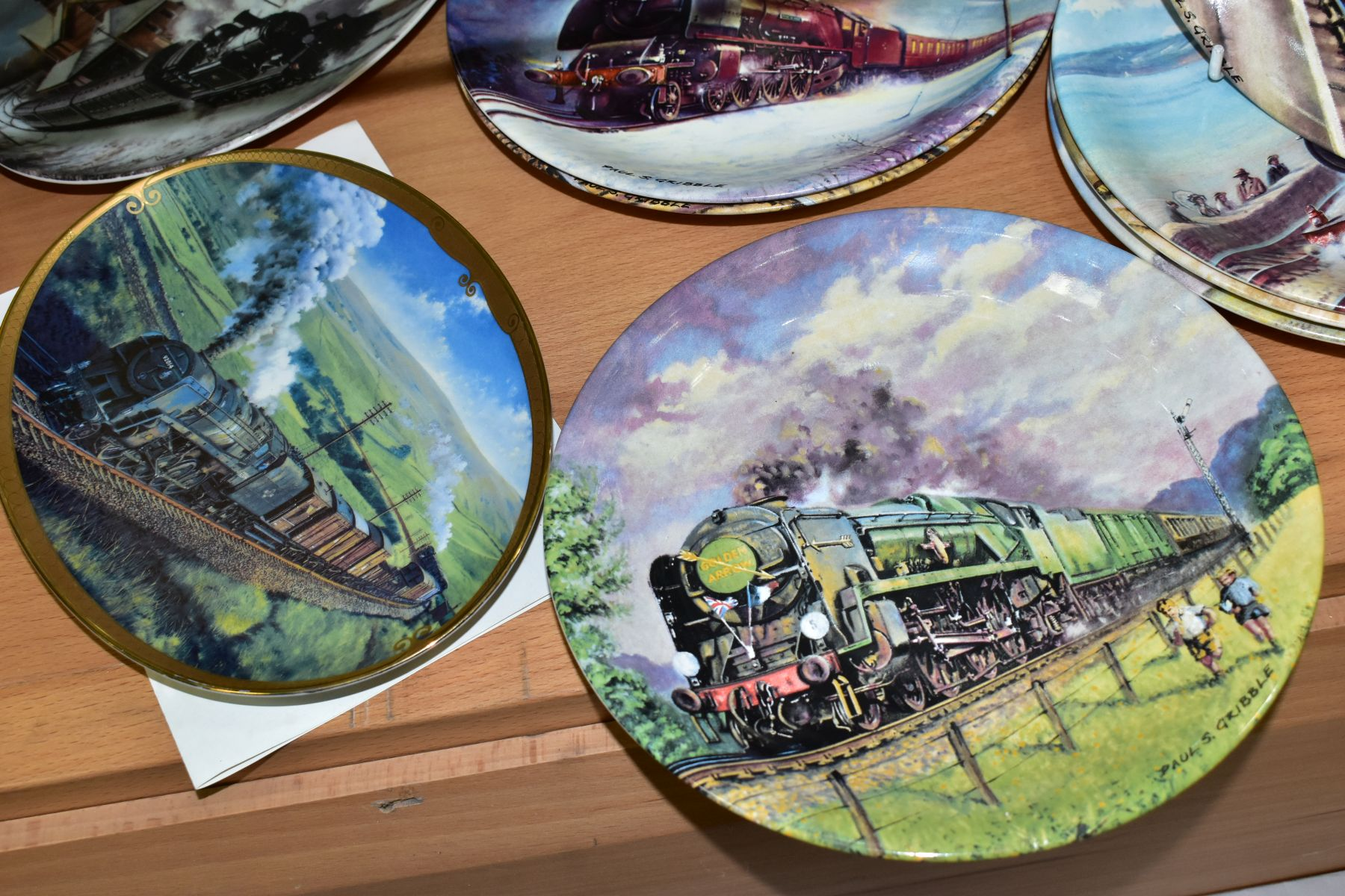 TWELVE BOXED LOCOMOTIVE THEMED COLLECTORS PLATES, comprising a set of eight Davenport Great Steam - Image 2 of 5
