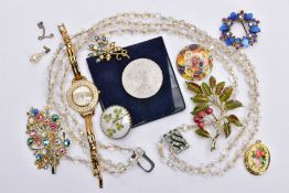 A BAG OF ASSORTED JEWELLERY, to include a ladies 'Sekonda' wristwatch, round mother of pearl dial,