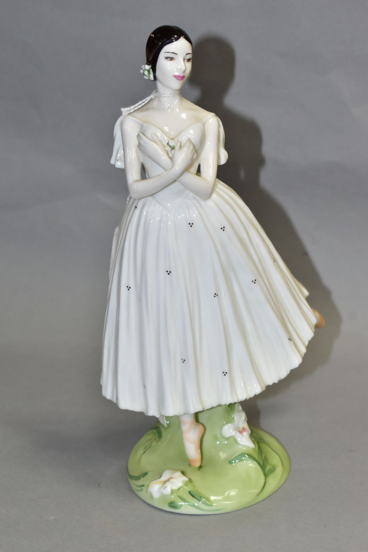A LIMITED EDITION COALPORT FIGURE 'Dame Alicia Markova' from The Royal Academy of Dancing Collection
