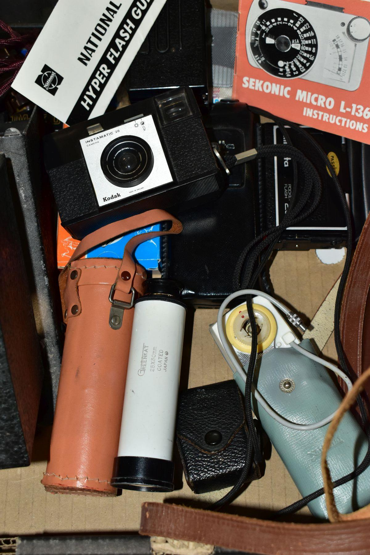PHOTOGRAPHIC EQUIPMENT, etc, to include a Minolta Auto Pak 270 110 film camera with leather case and - Image 3 of 6