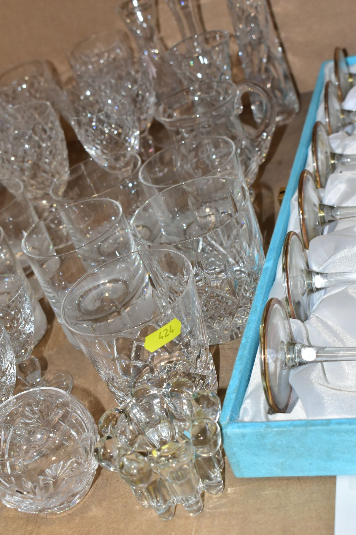 A GROUP OF GLASSWARE, including a boxed set of six Crystallera F.lli Fumo wine glasses, one set - Image 8 of 11