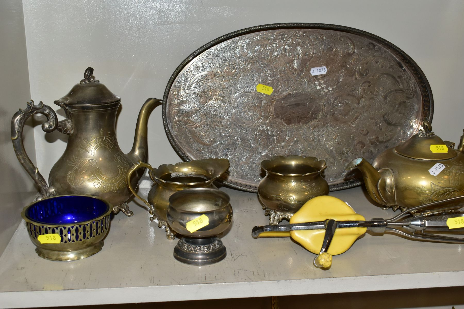 A COLLECTION OF METALWARES AND COLLECTABLES, including a Sawyers View-Master and ten packets of - Image 5 of 11