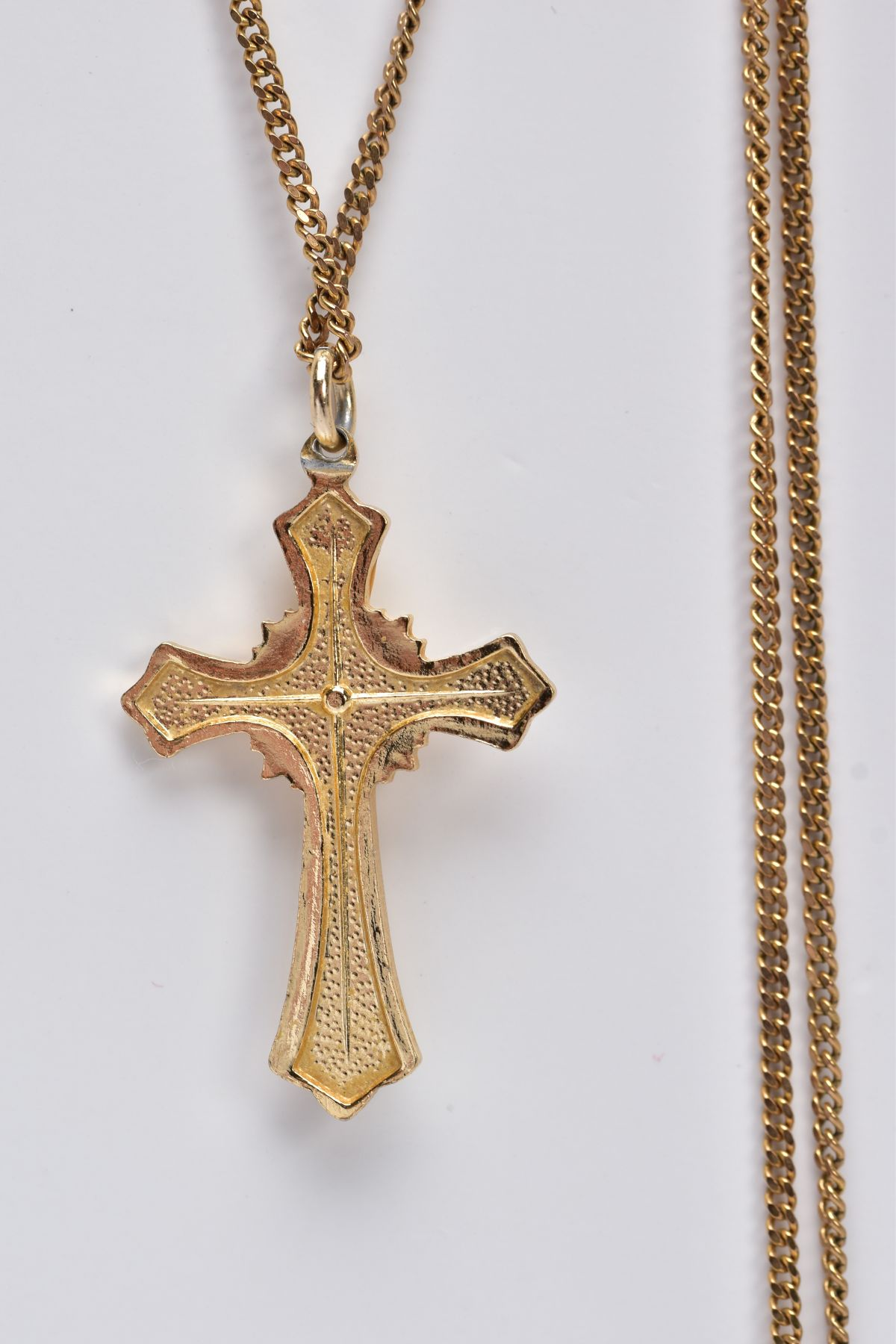 A 9CT GOLD CHAIN WITH A YELLOW METAL CROSS PENDANT, the curb link chain fitted with a spring - Image 4 of 4