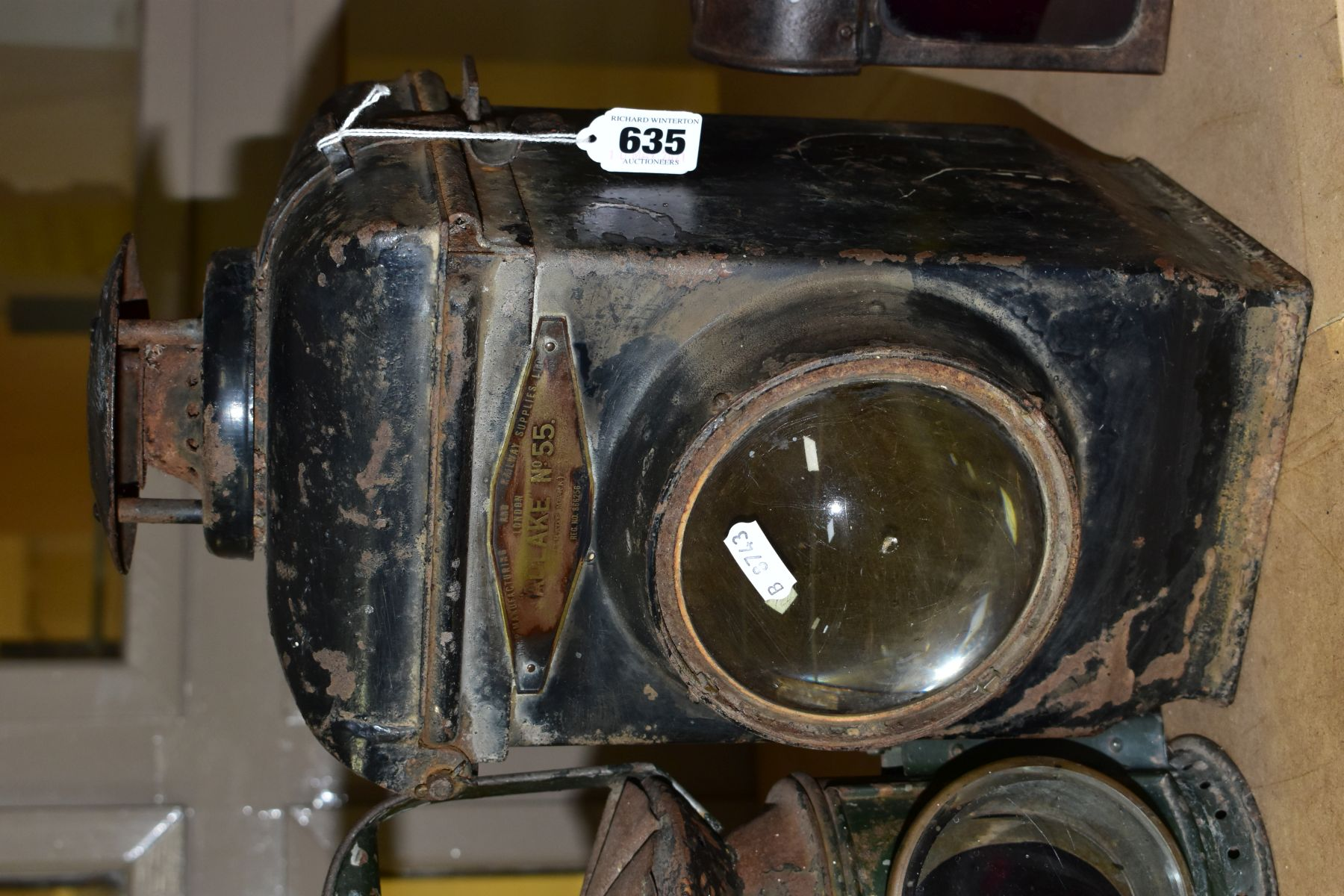 AN ADLAKE NO. 55 RAILWAY LAMP, black painted body with clear bulls eye lens, complete with lift - Image 3 of 8