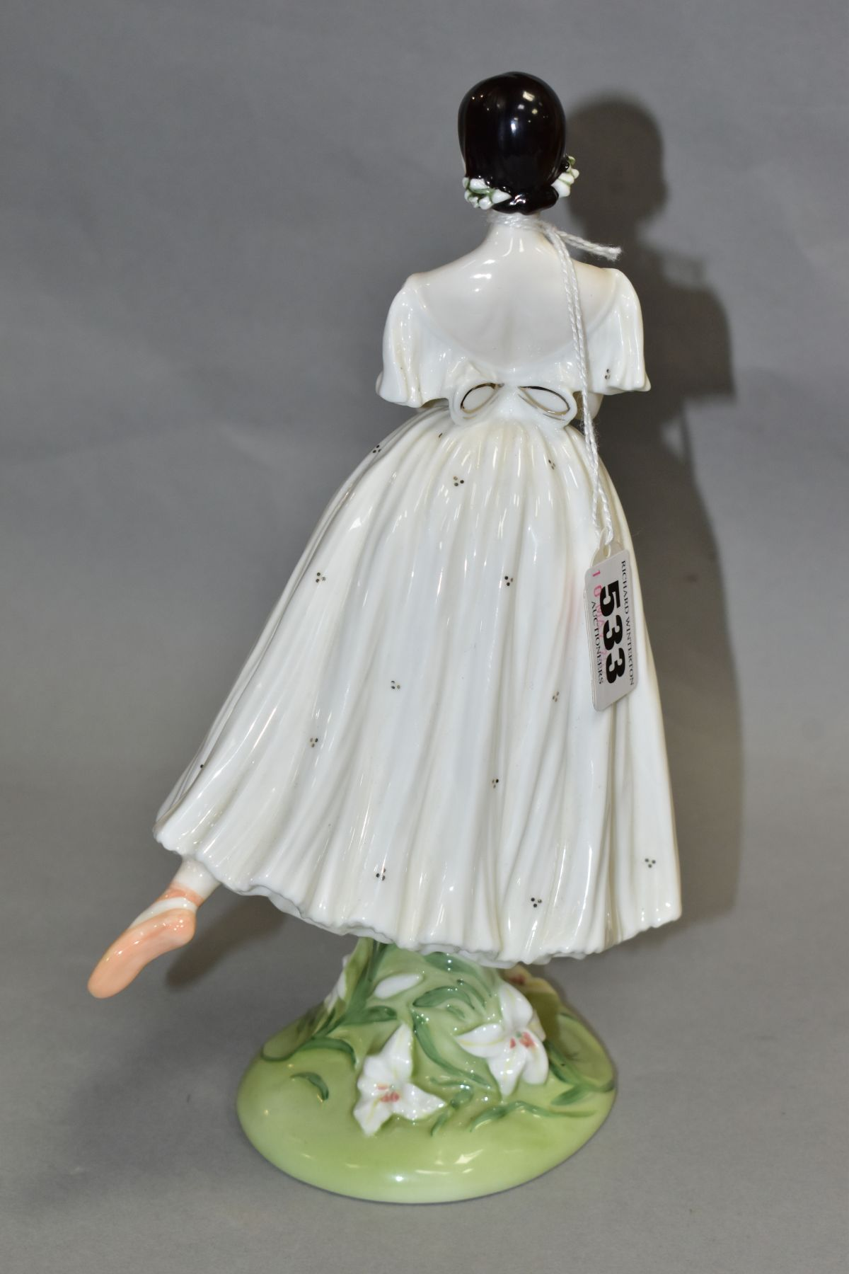 A LIMITED EDITION COALPORT FIGURE 'Dame Alicia Markova' from The Royal Academy of Dancing Collection - Image 3 of 4