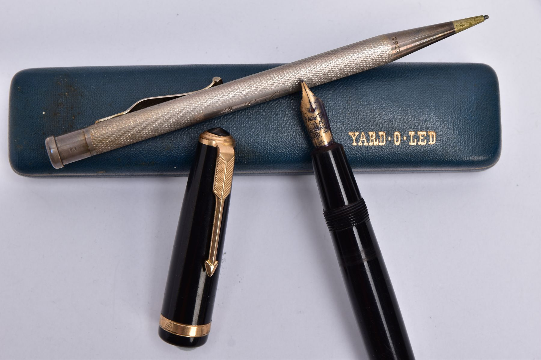 A SILVER PROPELLING PENCIL AND A PARKER FOUNTAIN PEN, the 'Yard O Led' silver pencil of an engine - Image 3 of 3