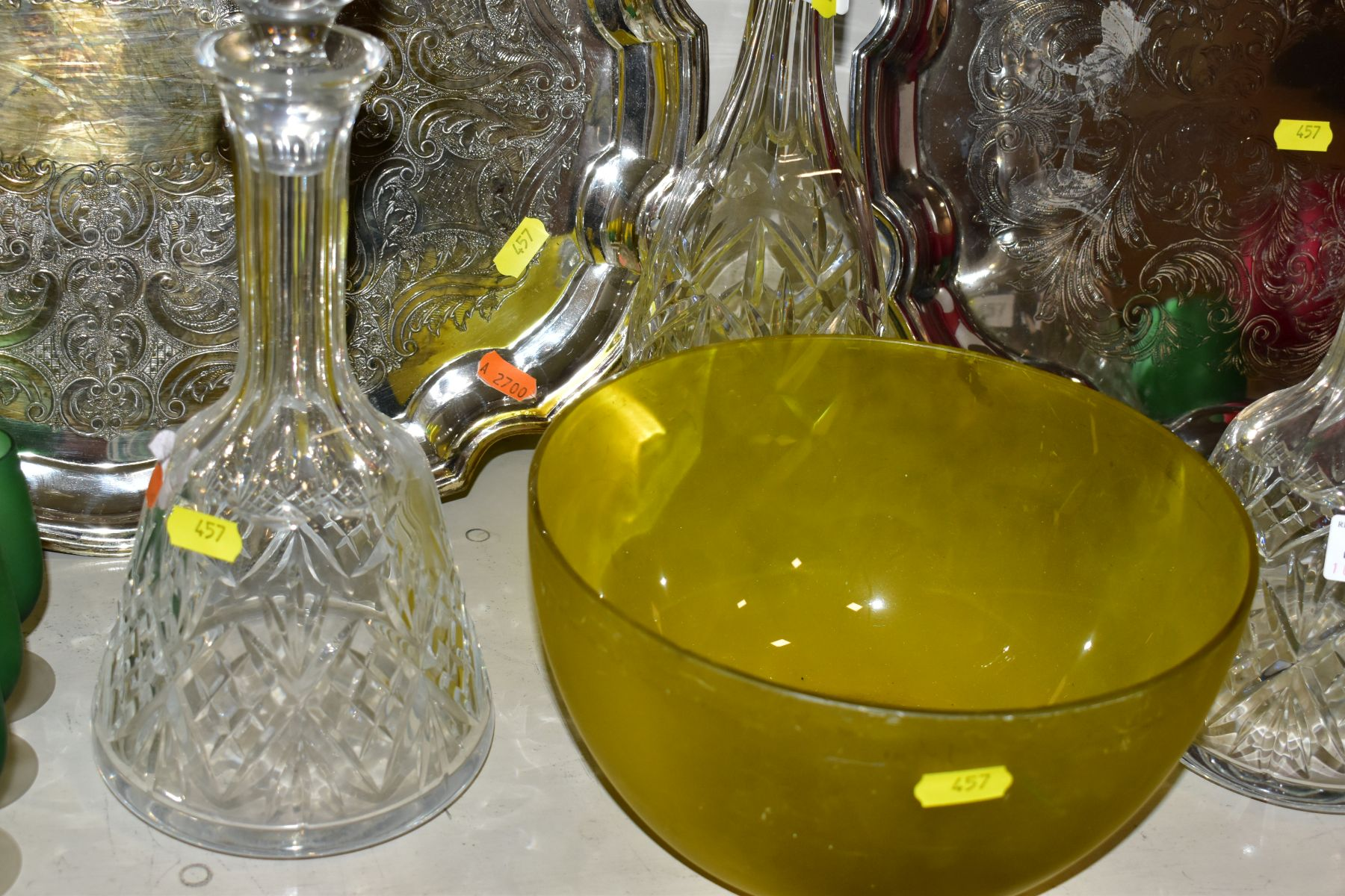 A QUANTITY OF CLEAR AND COLOURED GLASSWARE AND TWO LATE 20TH CENTURY SILVER PLATED TRAYS, - Image 7 of 10