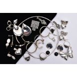 A BAG OF ASSORTED SILVER AND WHITE METAL JEWELLERY, to include a plain polished silver neck