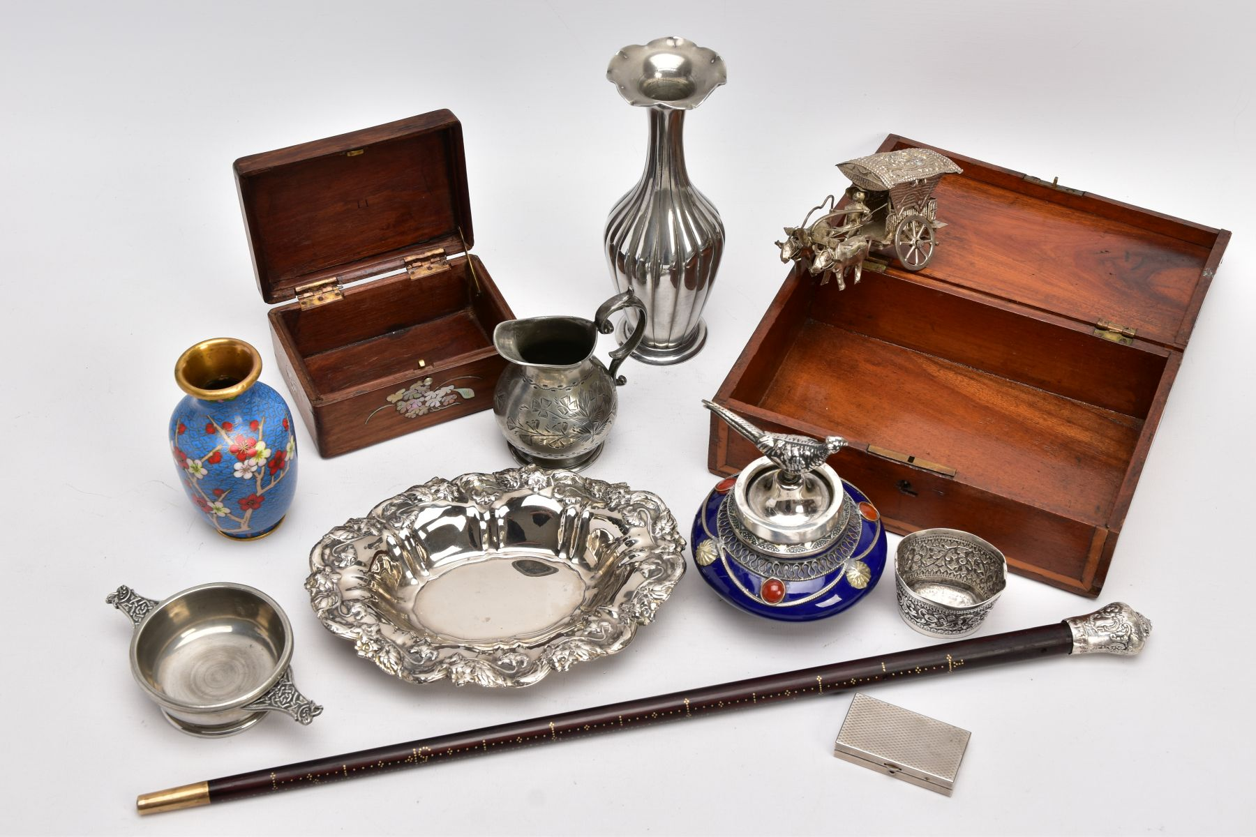 A BOX OF SILVER PLATE, COLLECTABLES AND OTHER METALWARES, including a small Indian white metal - Image 13 of 17